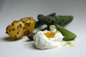 Leinöl und grüner Spargel, Kartoffeln mit Leinsamen