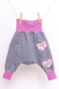 Erstausstattung-Herbstbaby-Kleidung-Pumphose
