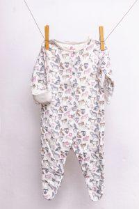 Erstausstattung-Herbstbaby-Kleidung-Strampler