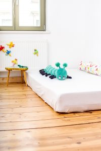 Montessori Baby Bodenbett Kinderzimmer