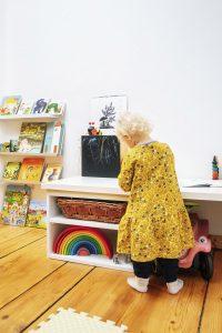 Bibliothek Montessori Kinderzimmer